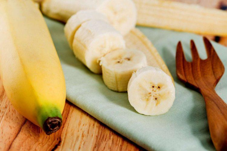 11 easy banana recipes (1919)