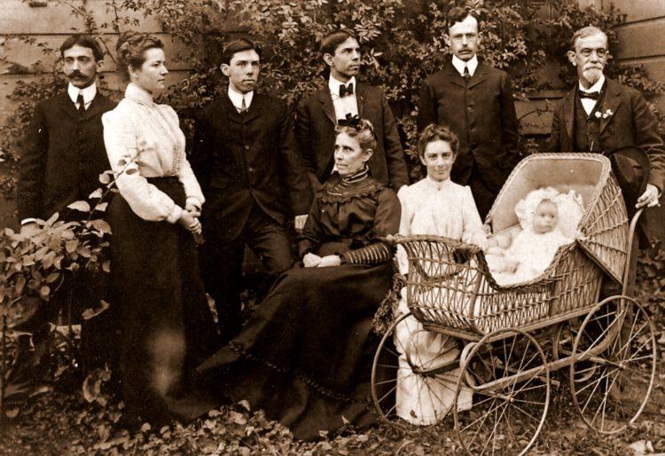 1902 Dayton C. Miller Family - Genealogy
