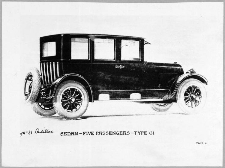1921-23 Cadillac Sedan - Five Passengers - Type 61