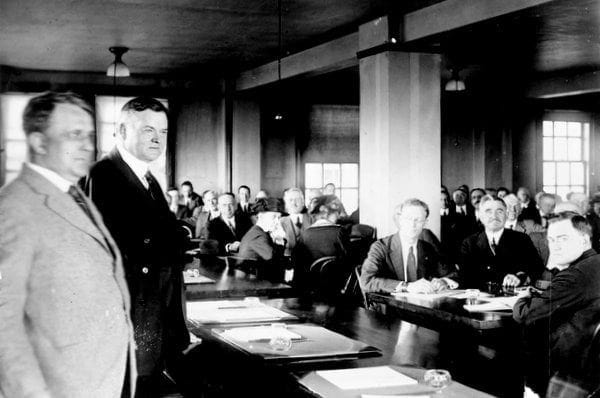 3 million unemployed in US (1921)