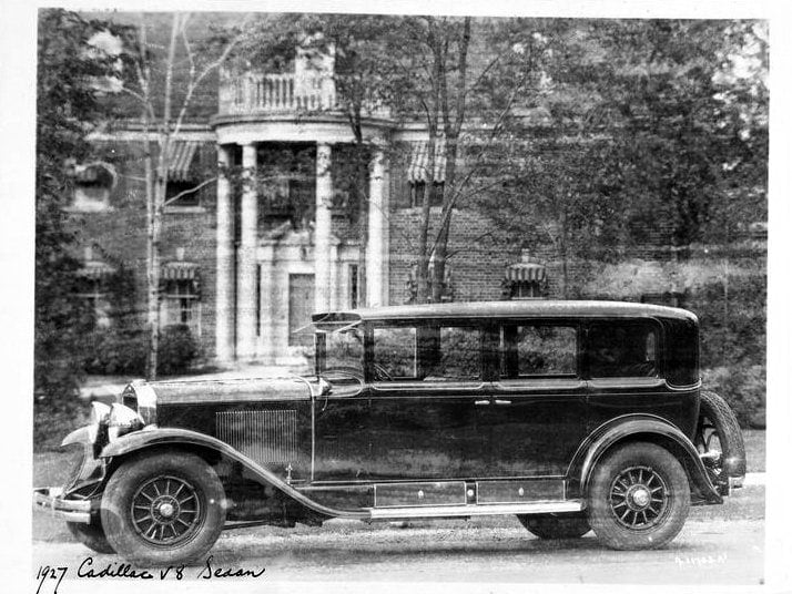 1927 Cadillac V8 Sedan