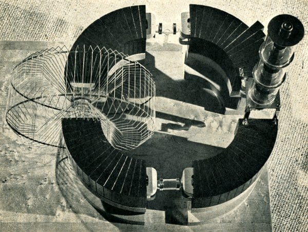 1946-racetrack-atom-smasher