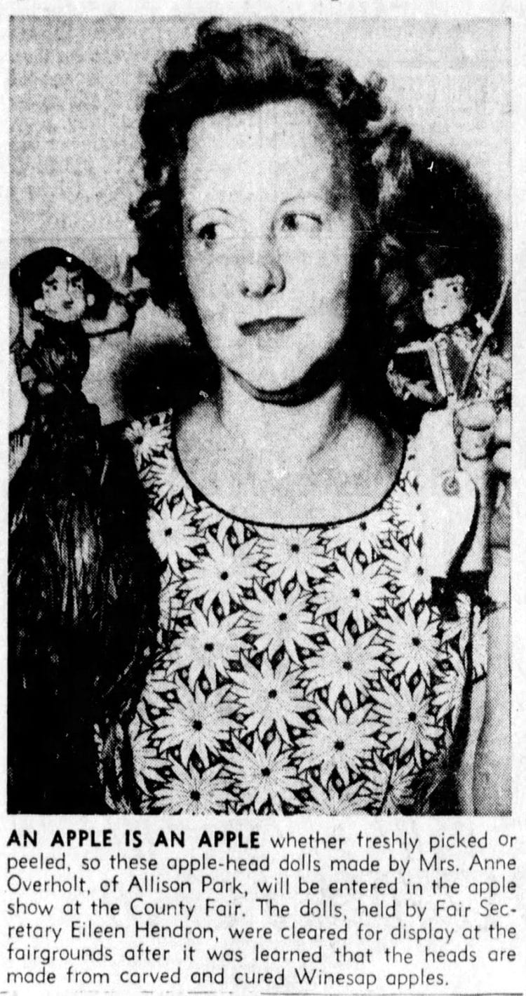 How to make apple head dolls in The Pittsburgh Press Pittsburgh, Pennsylvania Tuesday, September 1, 1959