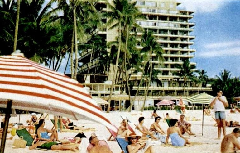 1960 Hawaiian beach scene