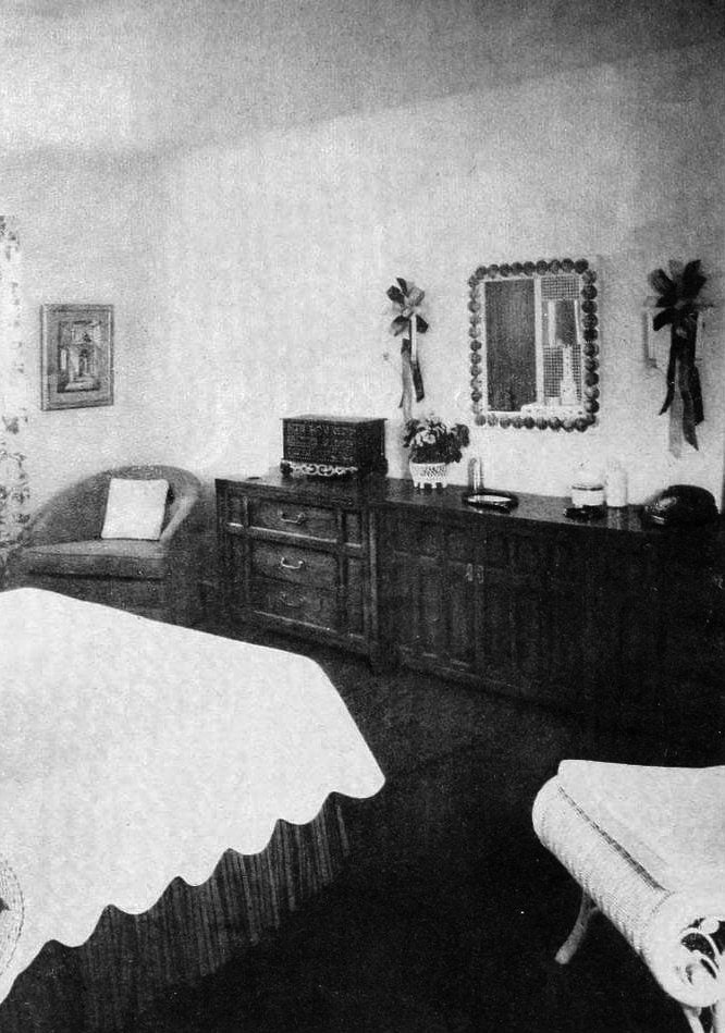 1960s home decor - Master bedroom Triune chests along wall