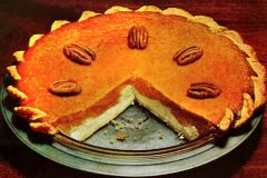 Double layer pumpkin cheesecake pie: The classic recipe (1967)