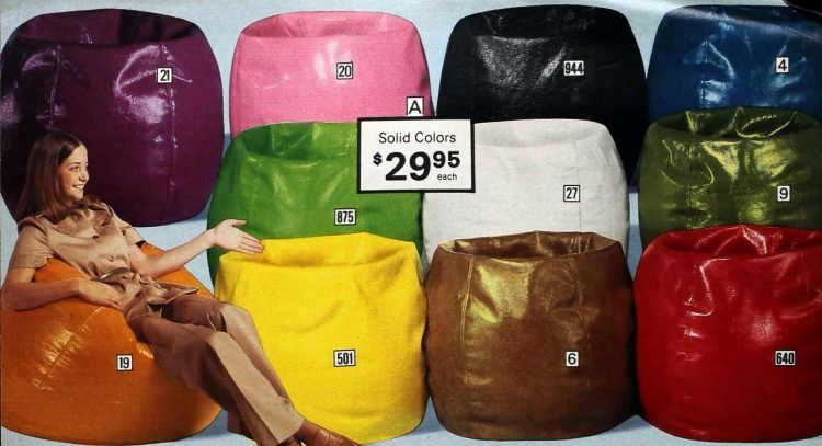 Splashdown-style vinyl Bag. Choose from 11 wet-look, solid colors.