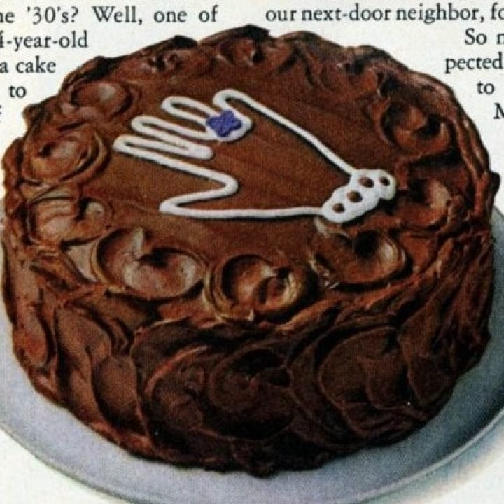1972-Hersheys-Hand-me-down-chocolate-cake-recipe-2-1-750x1027 (2)