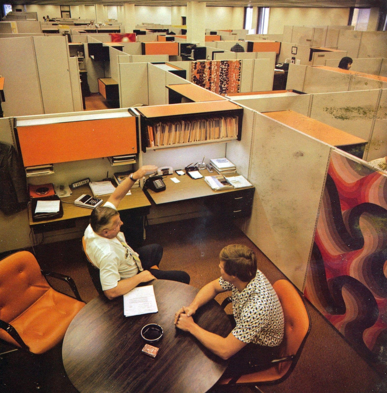 Flexibility with open plan office furniture