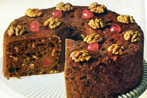 9-minute 'can't fail' holiday fruitcake recipe