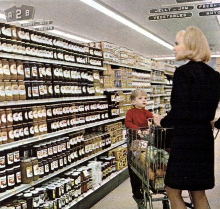 A-P retro grocery store - 1967 14