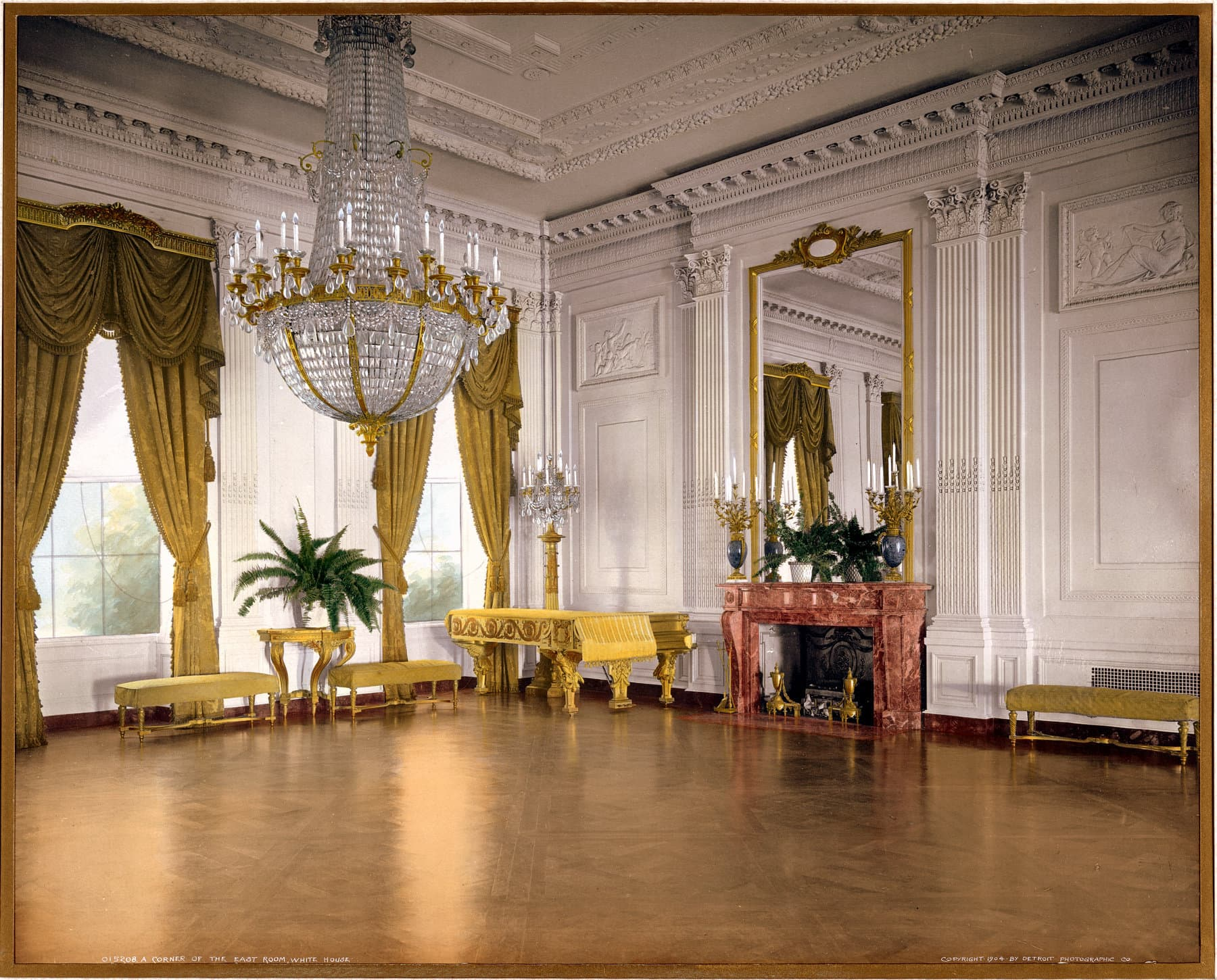 A corner of the East Room, White House (1904) - Click Americana