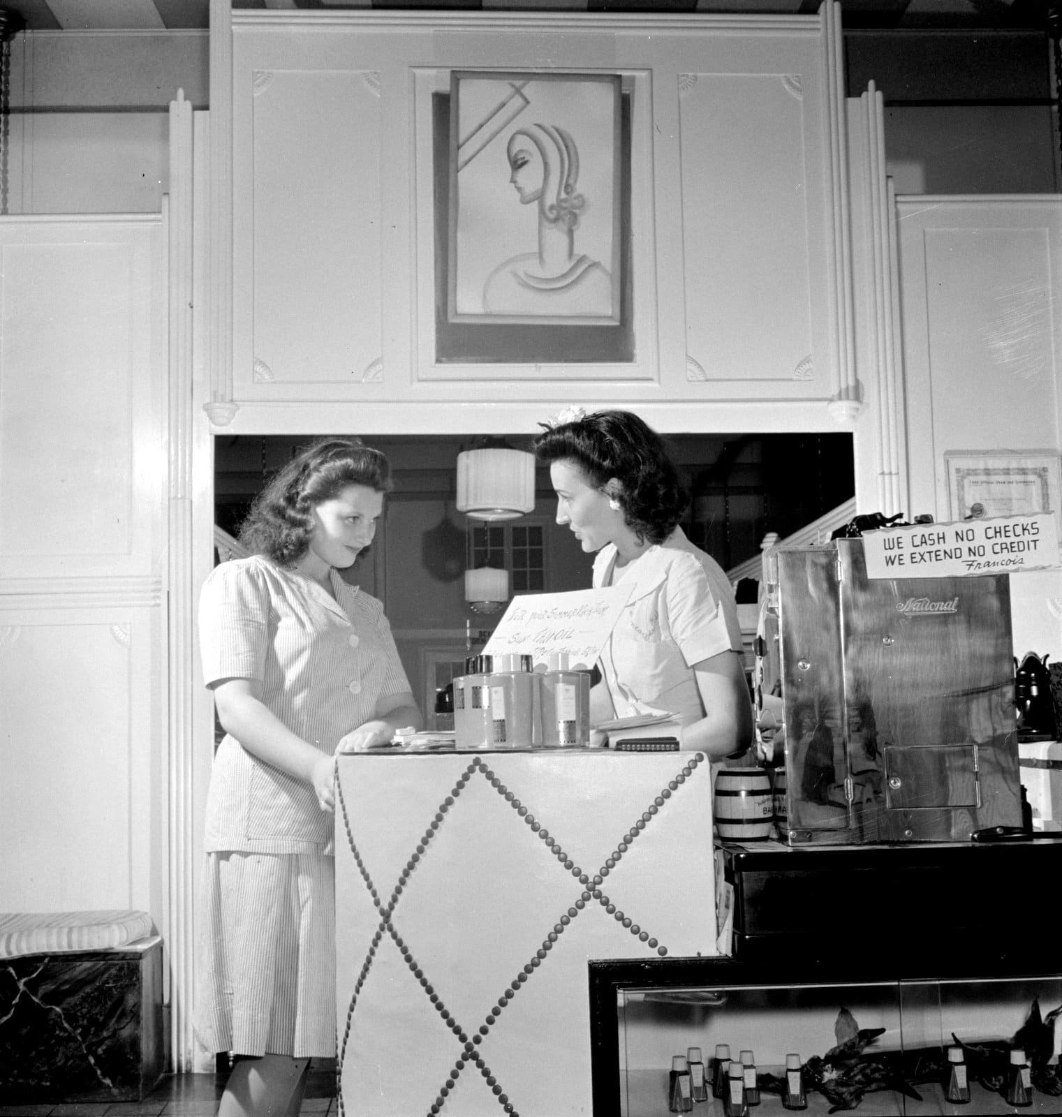 A day at a 1940s beauty parlor Front desk