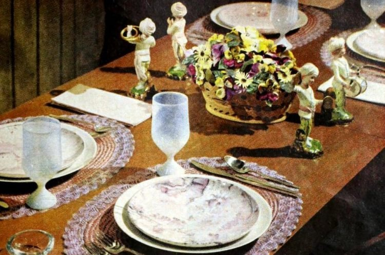 A dining table in lilac and pink