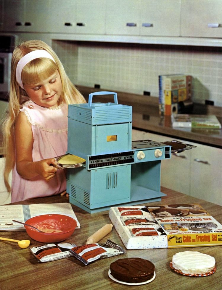 A girl with her old-style Easy Bake Oven in 1968