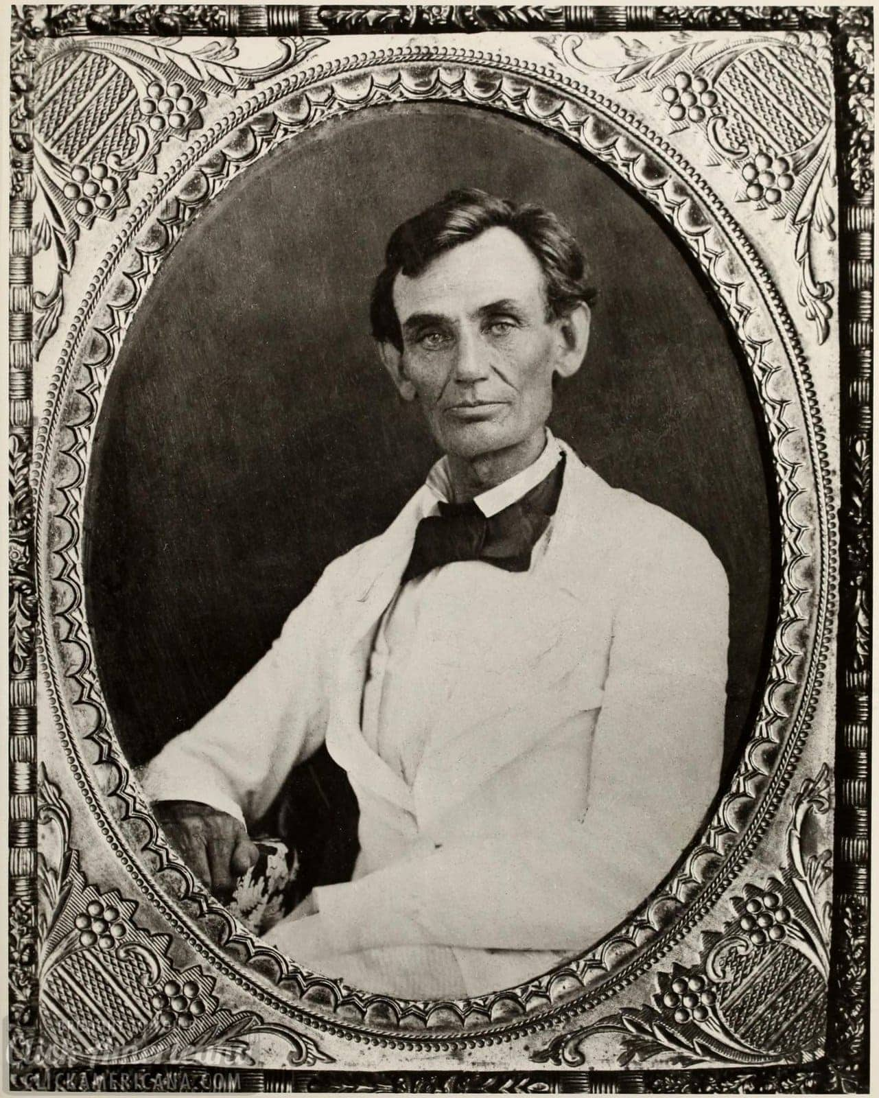 Antique portrait of Abraham Lincoln without his beard