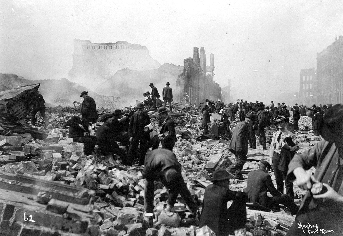 Aftermath of the 1906 San Francisco earthquake and fire (1)