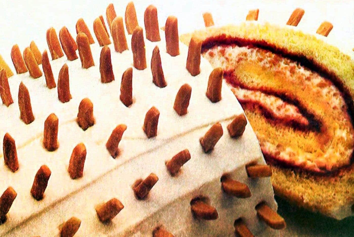 Almond-raspberry cream roll (1984)