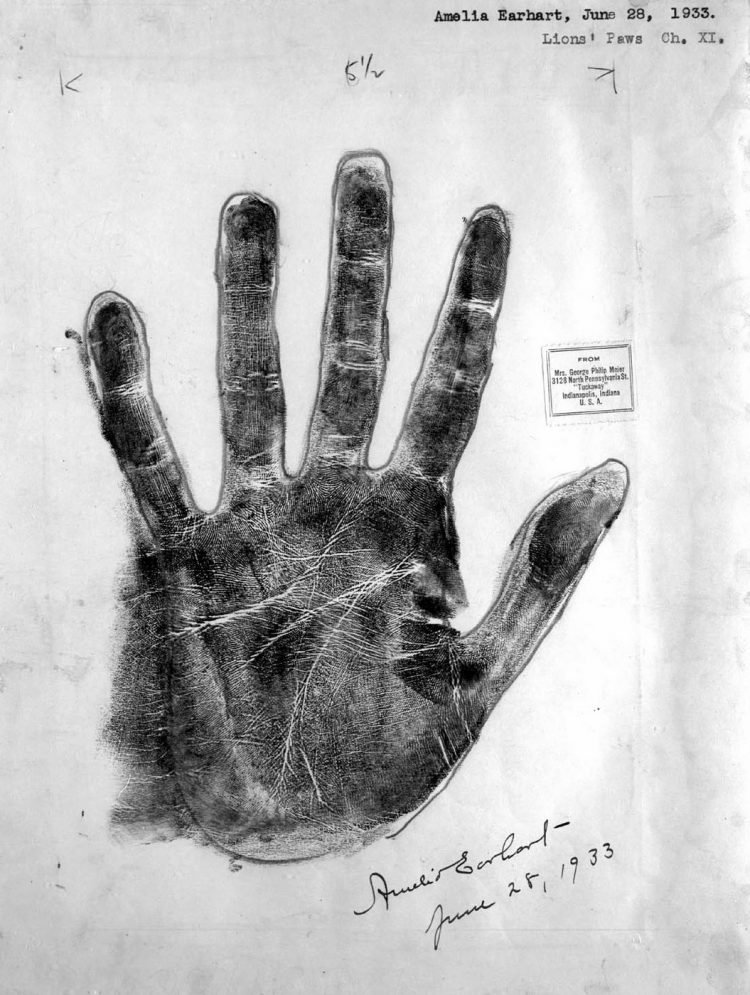 Amelia Earhart palm print from 1933