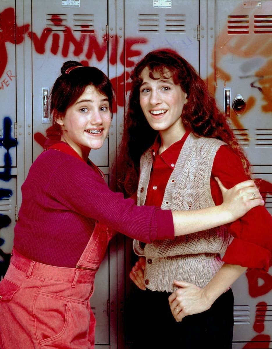 Amy Linker and Sarah Jessica Parker on Square Pegs vintage TV show from the 80s