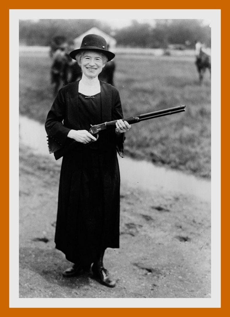 Annie Oakley 1922 - With the gun given to her by Buffalo BIll