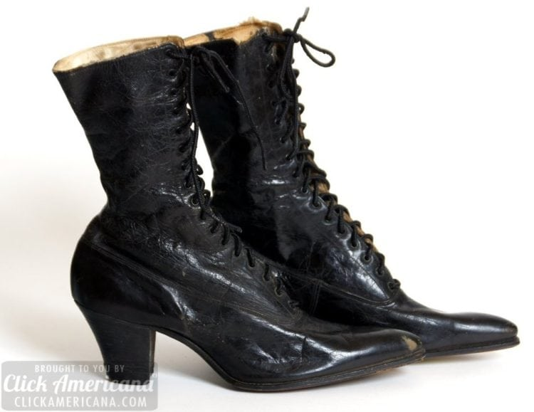 Antique basic women's boots with a 2-inch heel