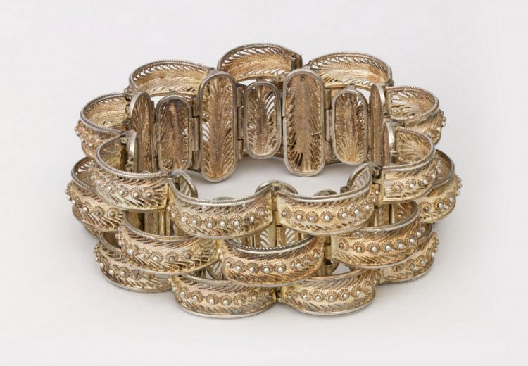 Antique bracelet from c1875 - Via Smithsonian