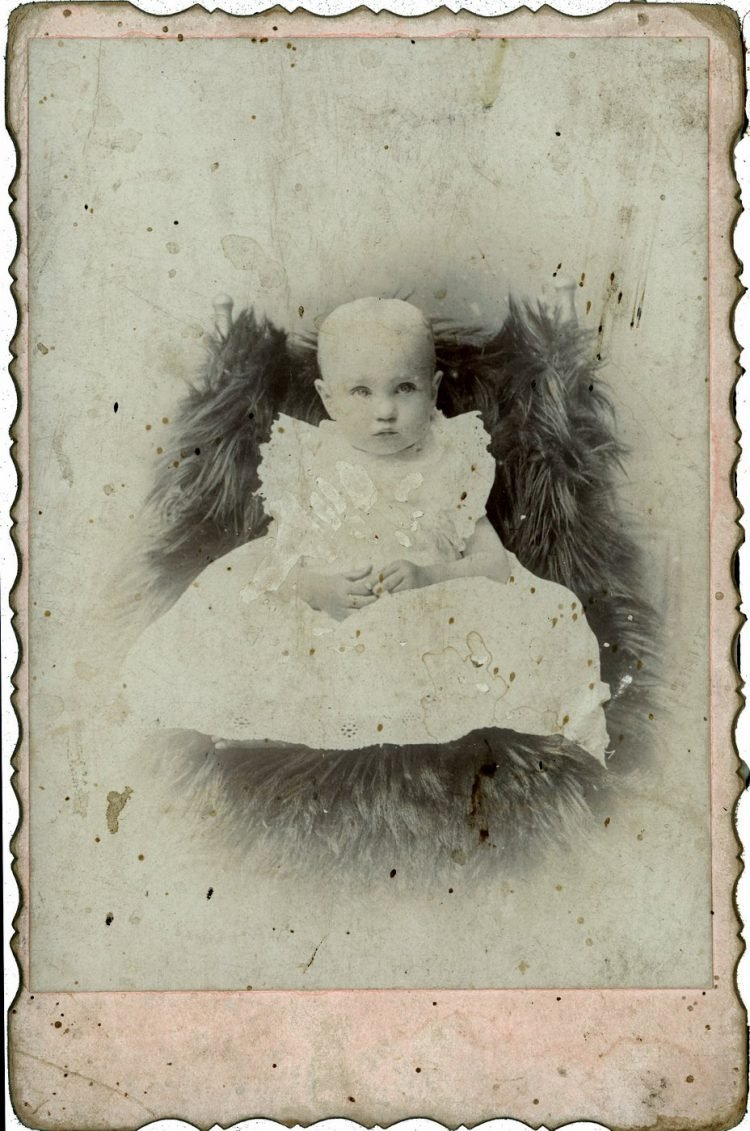 Antique cabinet card portrait of a baby (1)