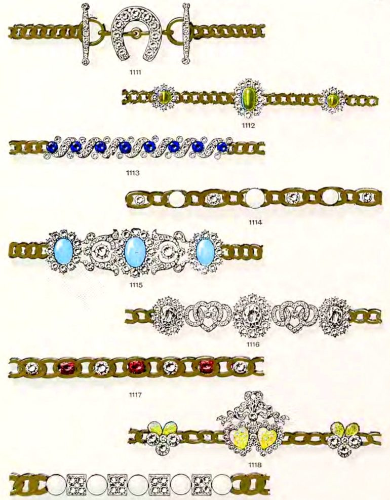Antique gems and necklaces (3)