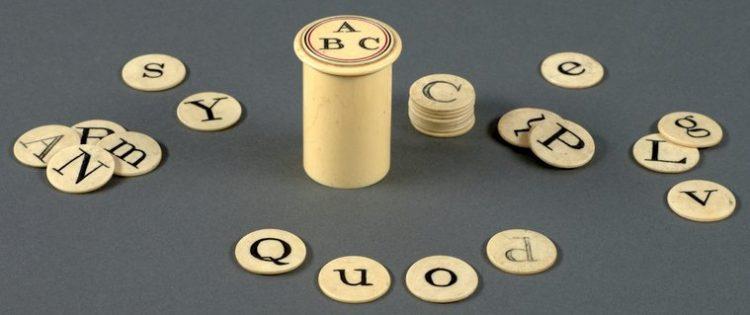 Antique letter game toy set