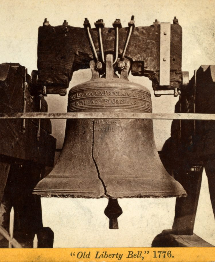Antique photo of the Liberty Bell (4)
