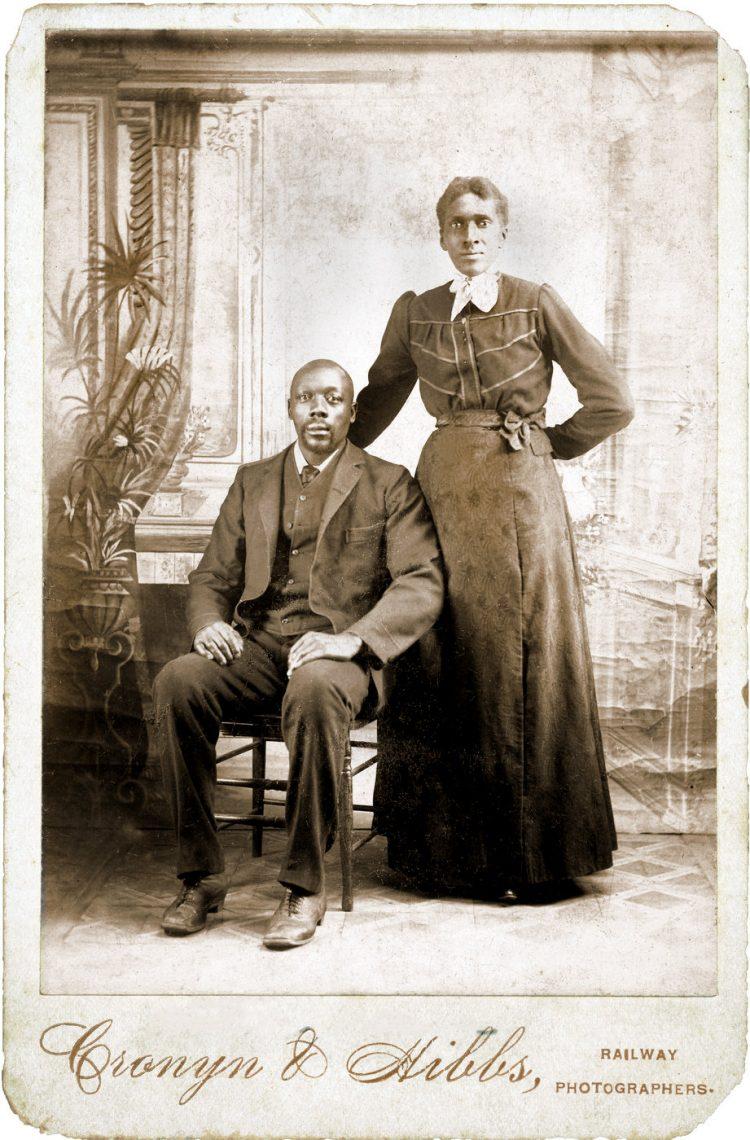 Antique portrait of a couple - Cabinet card