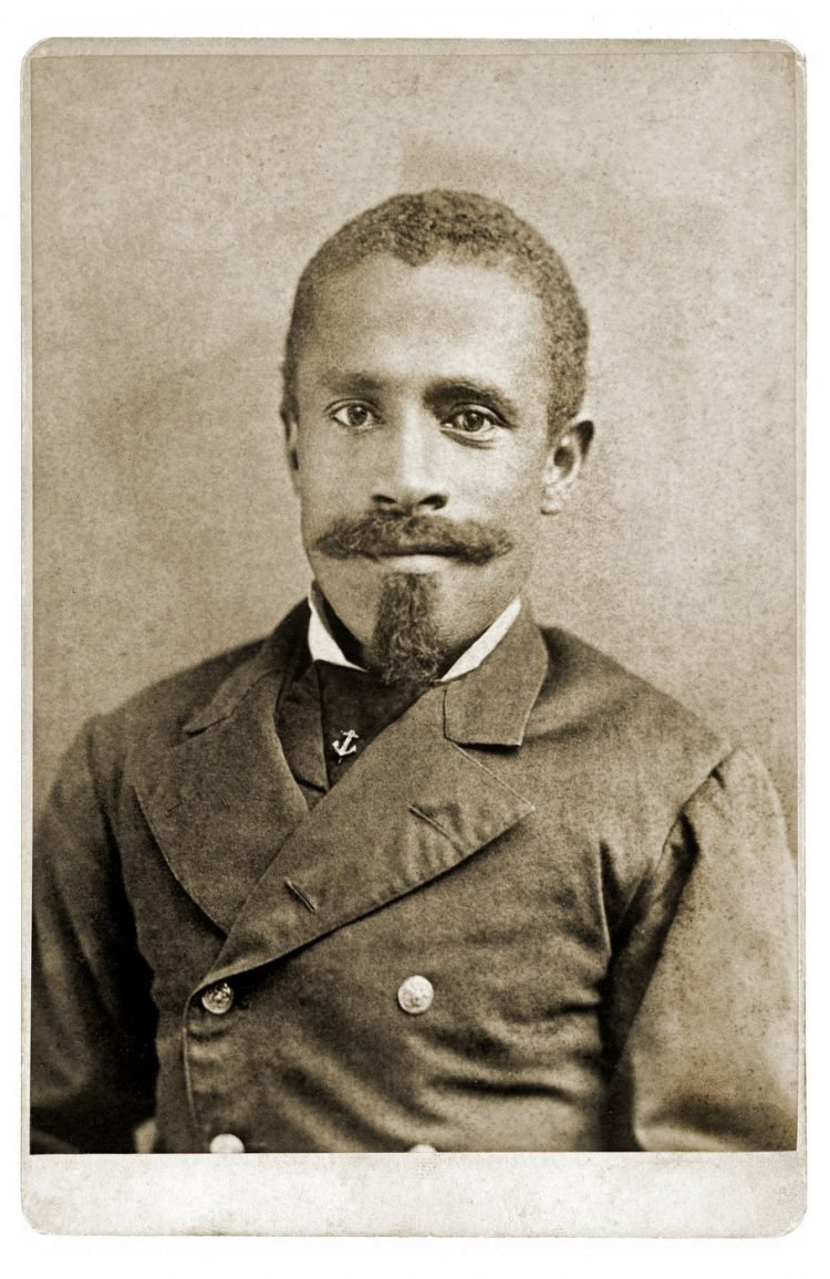 Antique portrait photo of an African American man (3)
