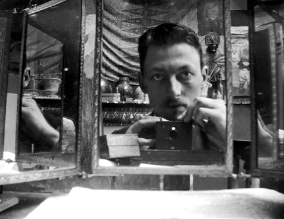 Antique self-photo of Henri Evenepoel (1898) at ClickAmericana com