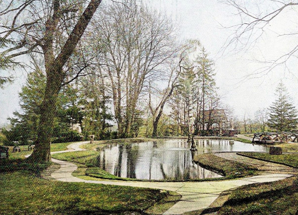 Armsmear lake and lawn