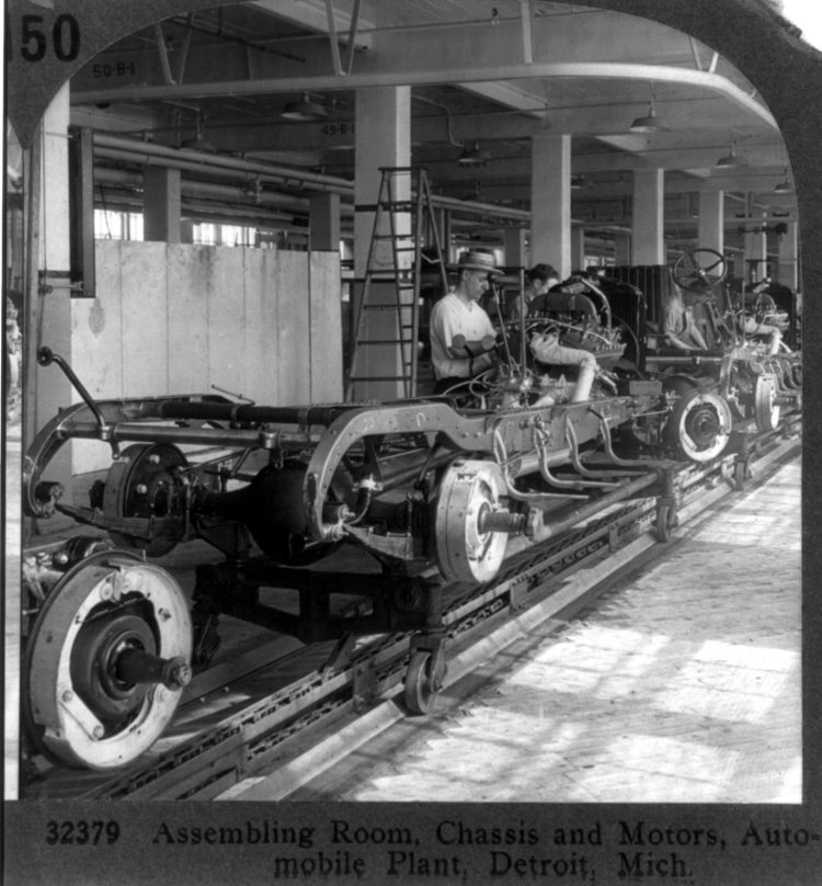 Assembling room, chassis and motors, auto plant, Detroit, Mich. 1929