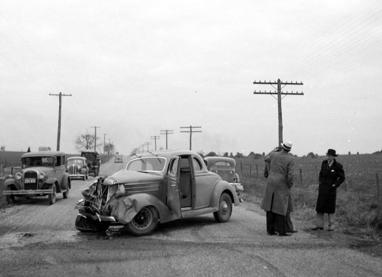 Automobile accident on the U.S. 40 in Maryland 1936