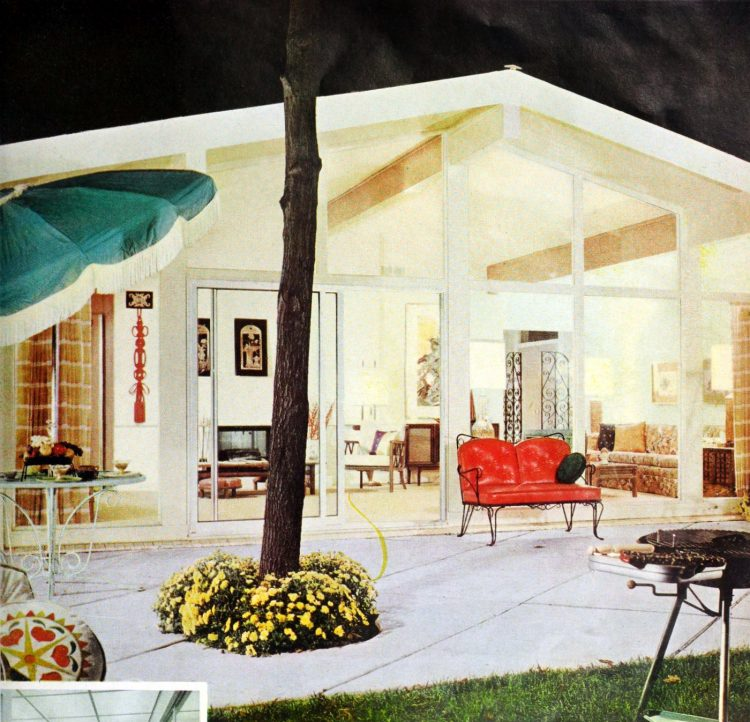 Back of home and patio - Vintage sixties Scholz Mark 60 house