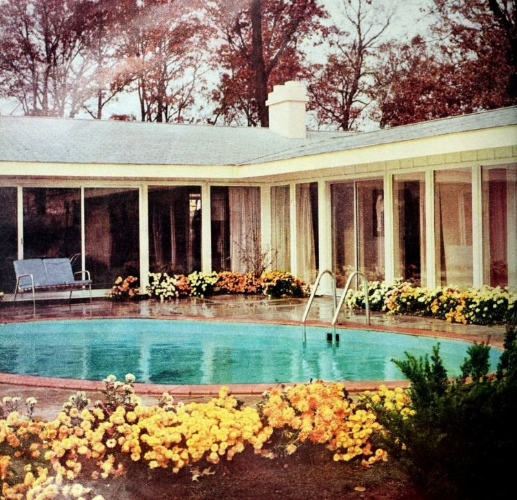 Backyard pool - Vintage sixties Scholz Mark 60 house
