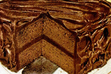 Baker's Chocolate Wellesley fudge cake recipe
