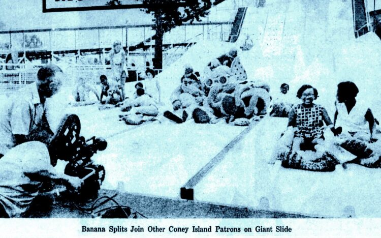 Banana Splits - Amusement park slides in Ohio 1969