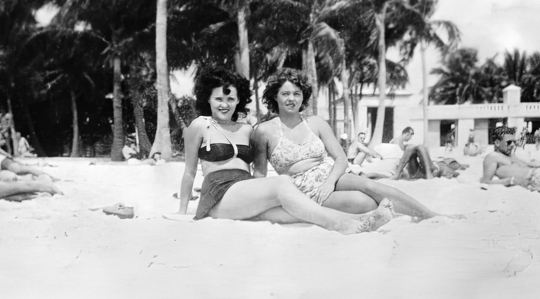 Beach swimsuit snapshot from Elizabeth Short's photo album
