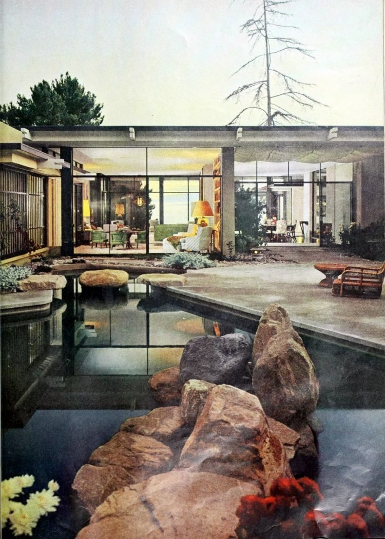 Beautiful classic swimming pool from 1961 (3)