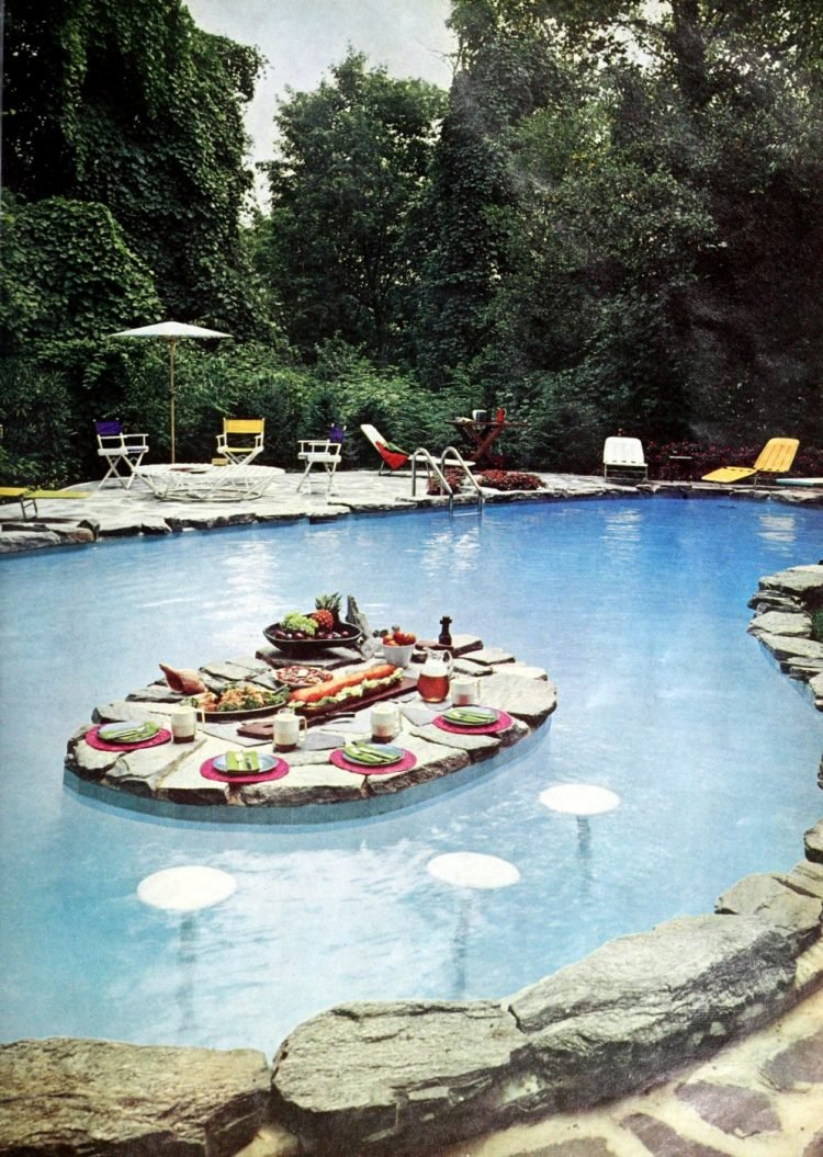 Beautiful private vintage-style swimming pool from 1966 (3)