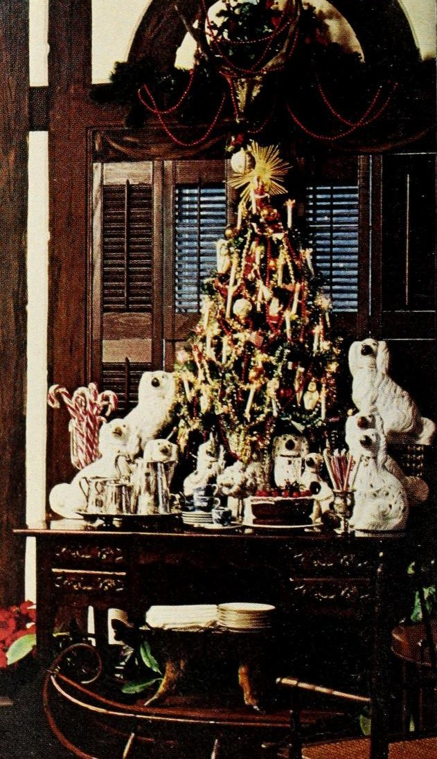 Beautiful tabletop Christmas trees from the 70s (2)