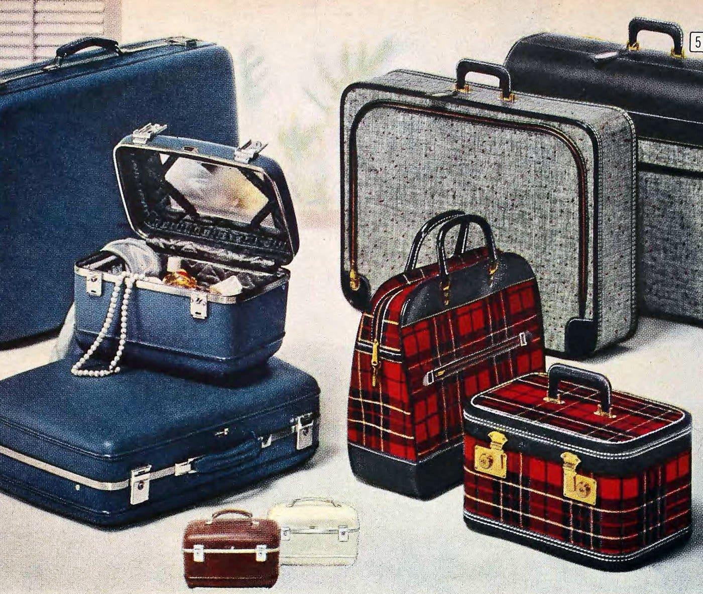 Beauty cases - vintage train cases (1960)