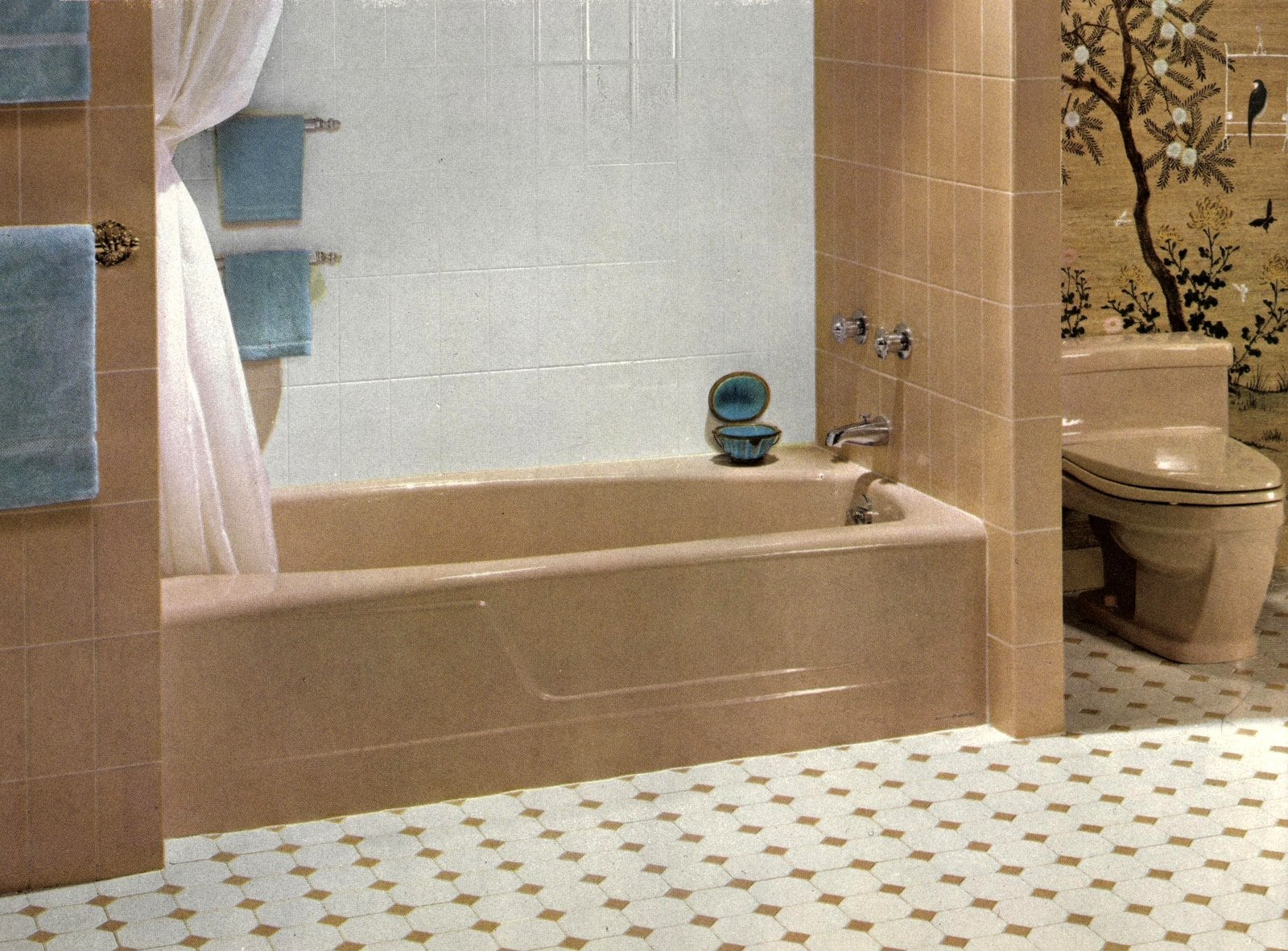 Beige and white vintage sixties bathroom suite and tile decor