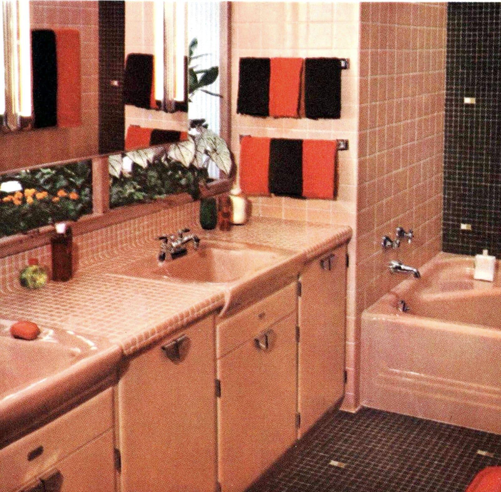 Beige-pink retro fifties bathroom tile style