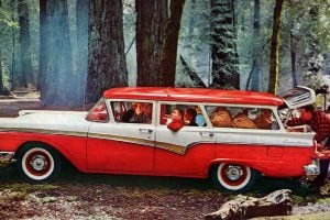 Best ride on the range Ford's new glamour wagons 1957 1958 (1)