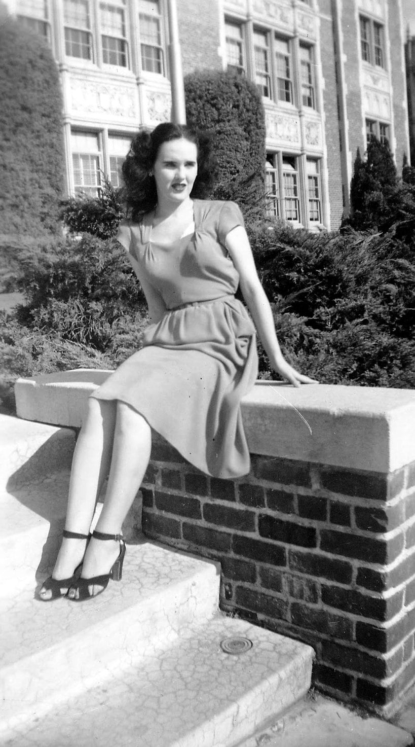 Betty Short - Black Dahlia - outdoor portrait on stairs